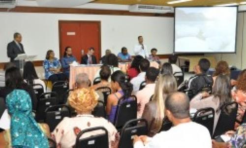"""<h2><a href=""""http://nordesterural.com.br/um-forum-internacional-para-debater-de-agricultura-da-america-do-sul/"""">Um Fórum internacional para debater de Agricultura da América do Sul</a></h2>  O evento acontece nos dias 27 e 28 de novembro, em Foz do Iguaçu, no Paraná, e debate o agronegócio mundial a partir da realidade dos países sul-americanos – produtores"""
