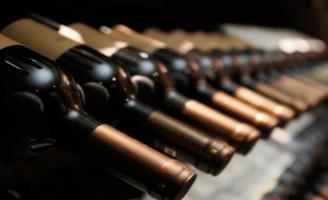 Ressonância nuclear magnética analisa vinho sem abrir a garrafa
