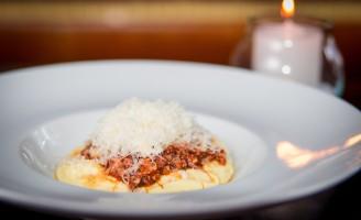 Receita – Polenta cremosa com ragù bolognesa