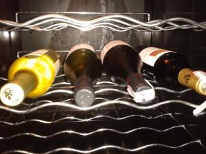 adega com vinhos