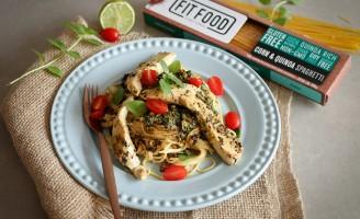 Receita – Espaguete de milho e quinoa com pesto e frango