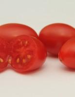 Uma semente de tomate hibrida que oferece um fruto mais vermelho