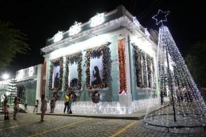 Luzes gravatá - casa da prefeitura