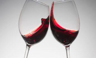 Uma plataforma digital para ajudar você a escolher o vinho mesmo sem degustar