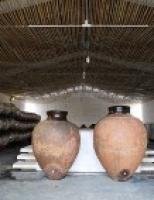 Conheça como é feito o espetacular vinho de talha do Alentejo